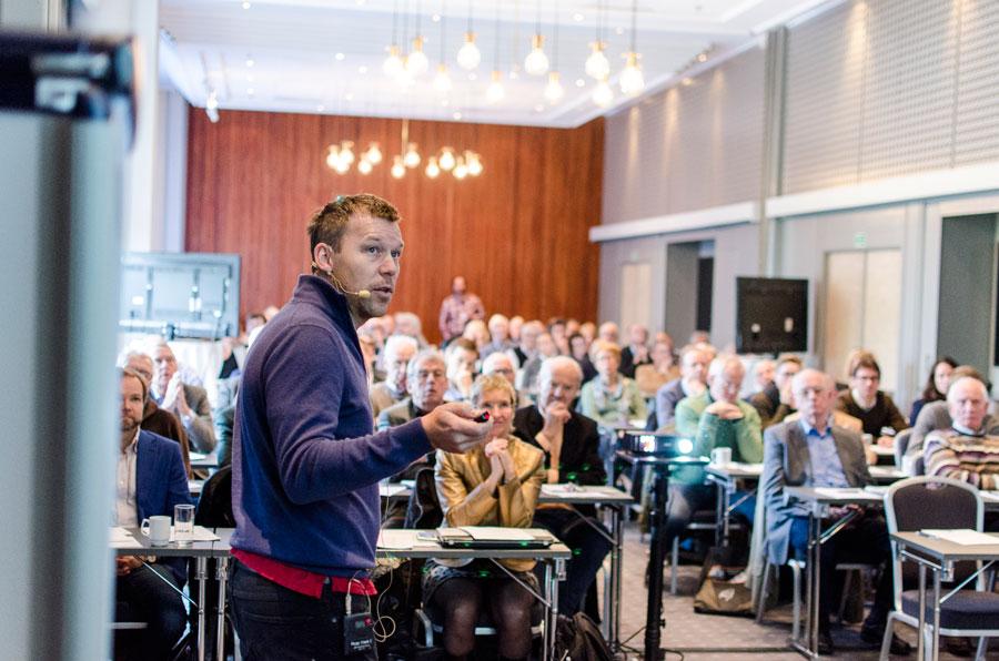 Fredrik Hellem Schjesvold ga en fin oversikt over nye medikamentalternativer ved myelomatose.
